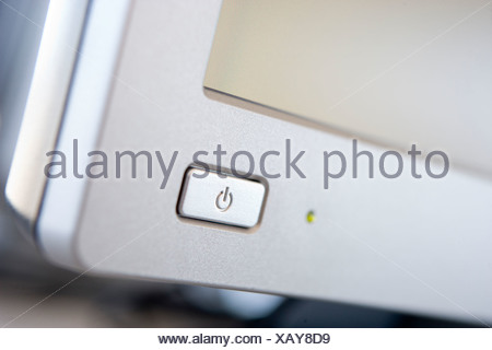 Power button on pc monitor Stock Photo: 8914712 - Alamy