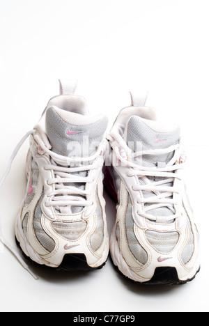 Wird Nike StockfotoBild Running Getragen Alten Paar Von Schuhe u13Jc5lTFK
