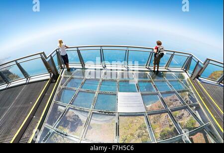 La Terraza Panorámica Con Piso De Vidrio En La Parte